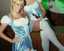 Wiesn Oktoberfest Gogos Tänzerinnen in München und Bayern_2