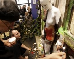 Bodypaintingmodell für die Farbe Messe München_6